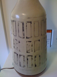 Dirty lamp vase