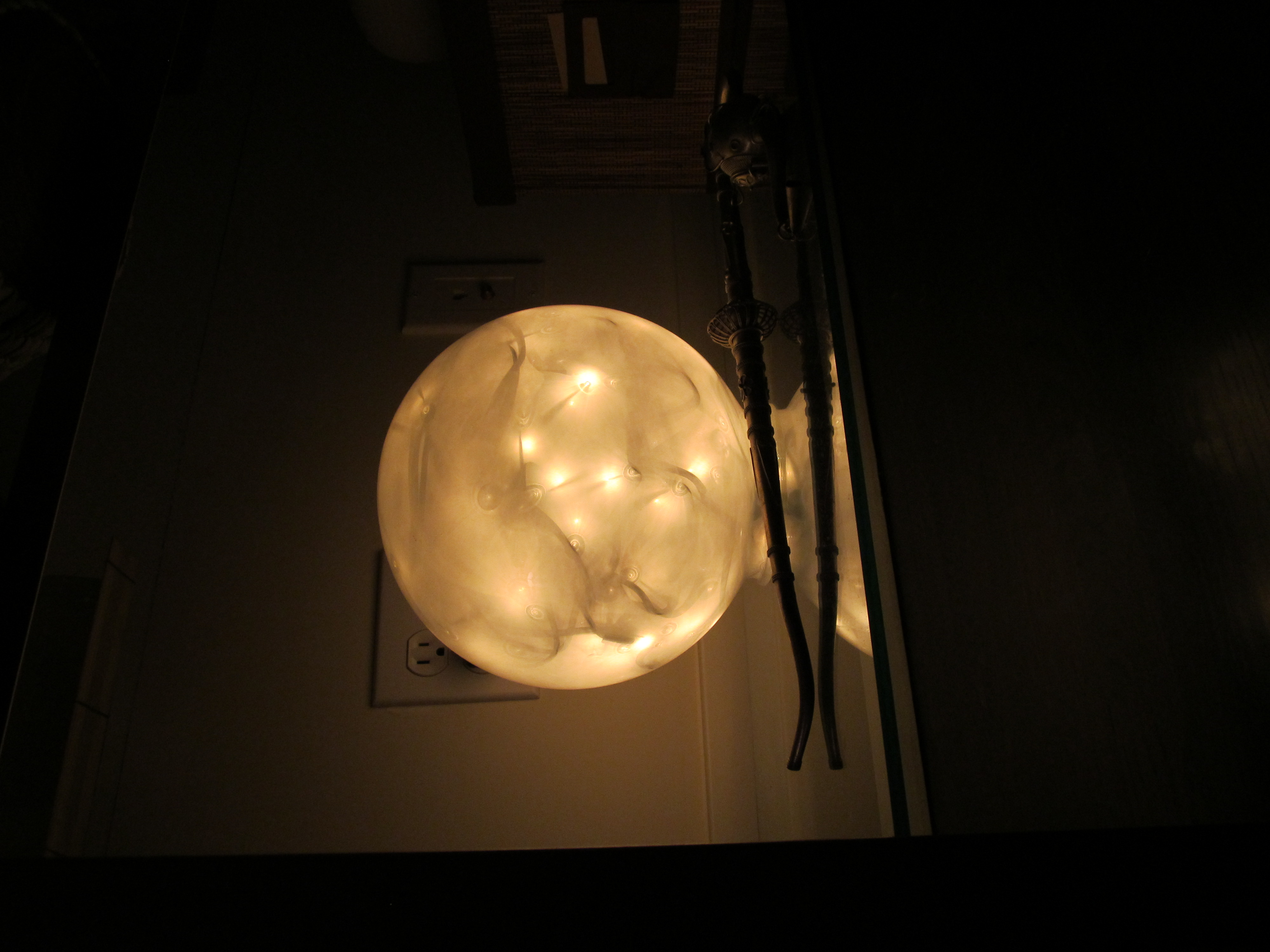 1 Minute Orb Lamp….DIY Tutorial (sorta) | Courtney Out Loud